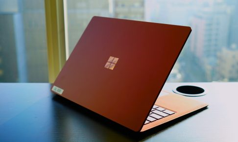 Surface Laptopバーガンディ