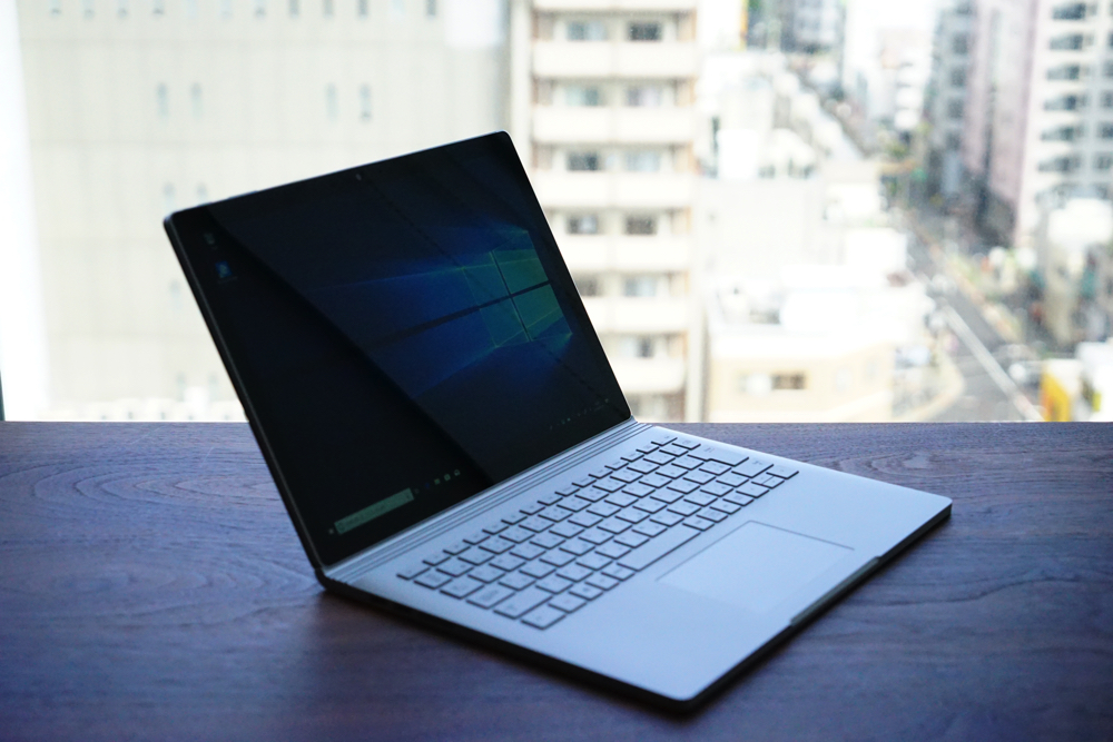 Surface Book2 斜め